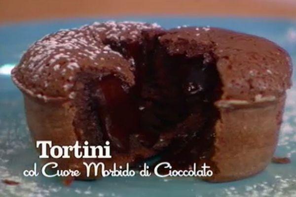 Tronchetto Di Natale Parodi.Ricette I Menu Di Benedetta Tortini Con Cuore Morbido Di Cioccolato