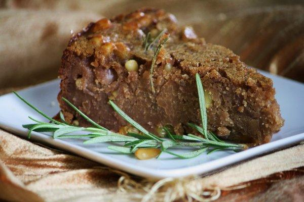 Castagnaccio: ricetta tradizionale toscana. Ingredienti e preparazione