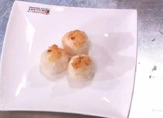 Tartufini di cocco e ananas di Simone Rugiati: la ricetta del dolce estivo